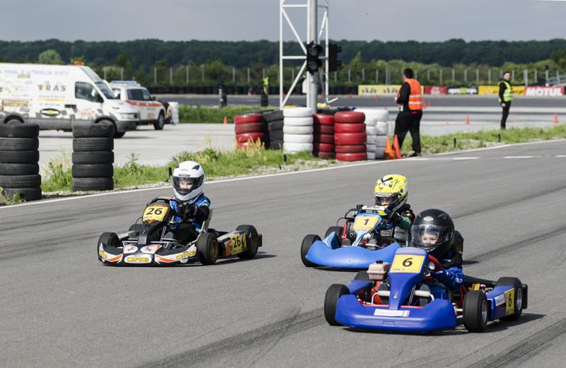 Foto: Constănțenii fac spectacol  în Campionatul Național de karting