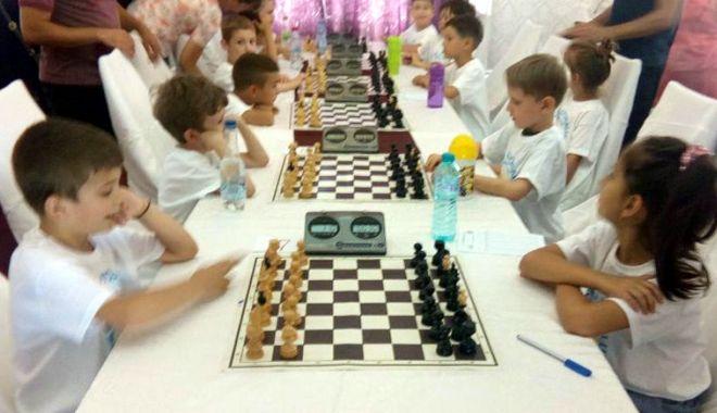 Constănțenii, în formă la Trofeul Litoralului la șah - constantenii4-1529686022.jpg