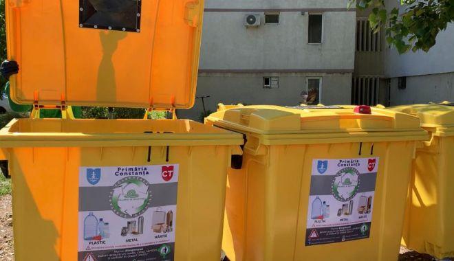Foto: Constănțenii încep să învețe să selecteze gunoaiele. Tone de deșeuri colectate separat