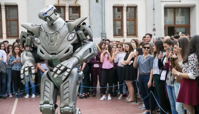Foto: Constănțenii își vor face selfie cu Titan the Robot