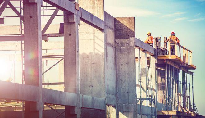 Constructorii iau în calcul suspendarea lucrărilor pe şantiere - constructoriiiauincalcul-1623682457.jpg