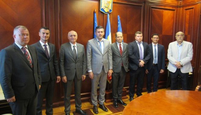 Foto: Consulii din Constanța, întâlnire cu prefectul Ioan Albu