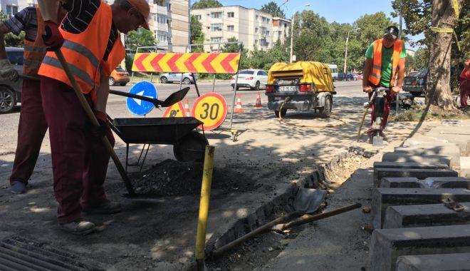 Foto: Continuă lucrările de modernizare a străzilor și trotuarelor