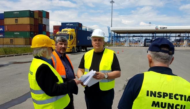 Foto: Transportatorii din Portul Agigea, luați la puricat de inspectorii de muncă