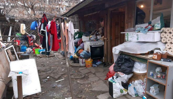 Foto: Controale la imobilele din fondul locativ de stat. Angajații RAEDPP au găsit adevărate focare de infecție