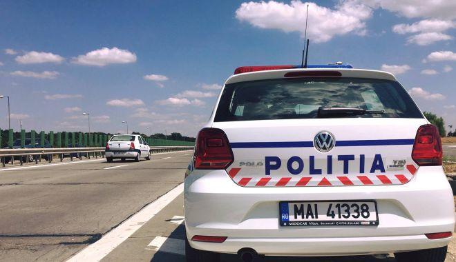 Controale pe Autostrada Soarelui. Doi şoferi, prinşi cu permis fals - controalepeautostrada-1615800021.jpg