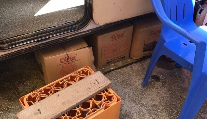 Foto: Control OPC în Campingul Lebăda din Năvodari. Mai multe unități de alimentație publică riscă să fie închise. GALERIE FOTO