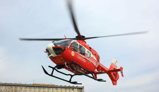 Foto: Angajat pe un elicopter SMURD, chemat să-și salveze fiul de patru ani