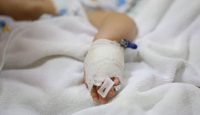 Fetiță de 3 ani ÎN STARE GRAVĂ, după ce a fost confirmată cu noul coronavirus - copil-1598081540.jpg
