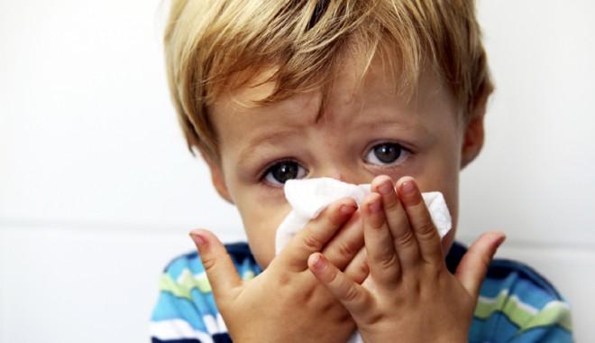 Foto: Copilul tușește întruna? Iată cum îl poți vindeca!