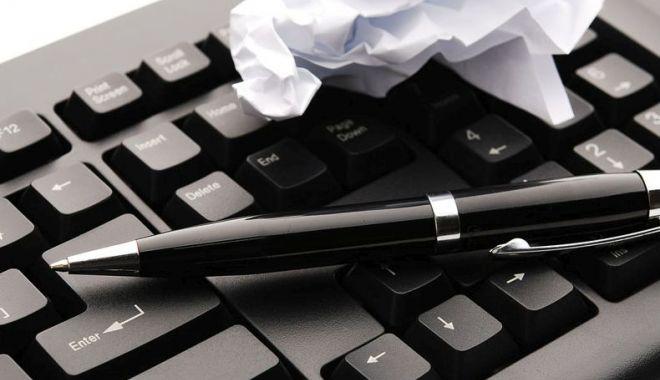 Cuget Liber angajează corector - corector-1569923713.jpg