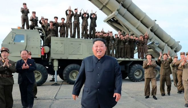 Foto: Coreea de Nord a lansat două proiectile neidentificate