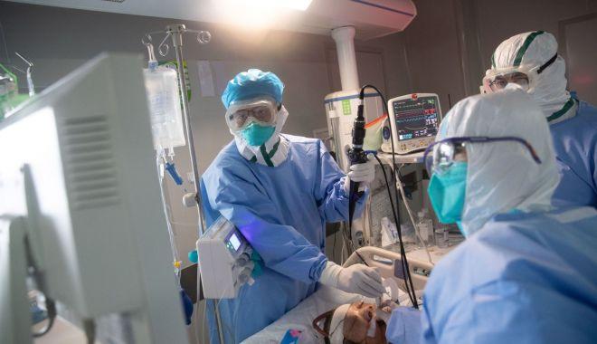 Foto: Mai mulți angajați de la o clinică privată, bolnavi de Covid-19