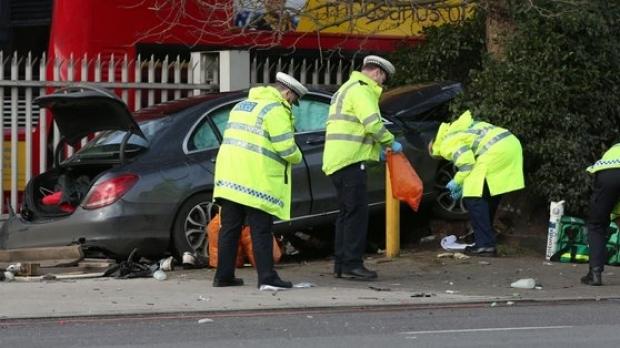 ALERTĂ MAE / Un cetățean român, internat, în stare critică, la spitalul King's College London - crash87873500-1488139477.jpg