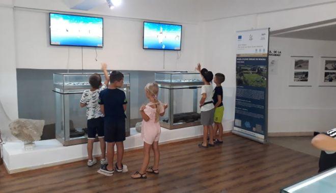 Expoziţii interactive şi şcoală de vară pentru elevi la Muzeul de Arheologie Callatis - creative2-1631640540.jpg