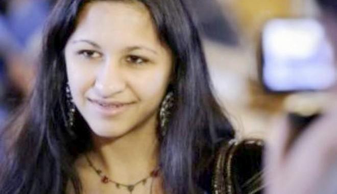 Foto: Tânăra româncă de etnie romă laureată la un concurs în Franța a primit titlul de sejur
