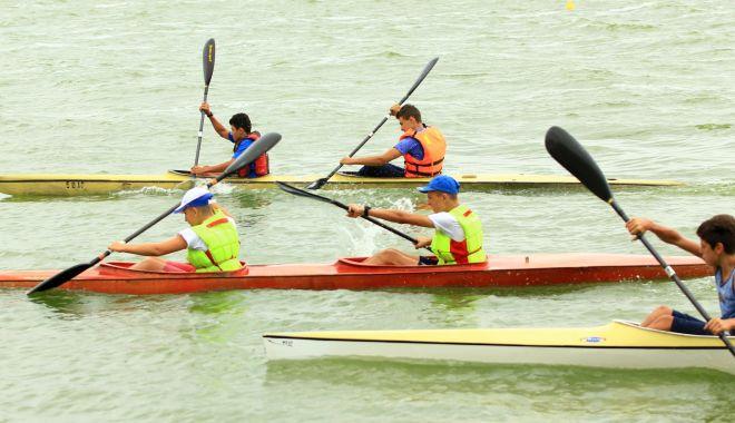 Foto: CS Farul, evoluție bună la Campionatele Naționale de kaiac-canoe
