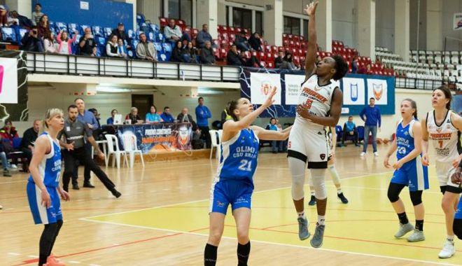 Foto: CS Phoenix-Știința pierde meciul  trei cu Olimpia  CSU Brașov