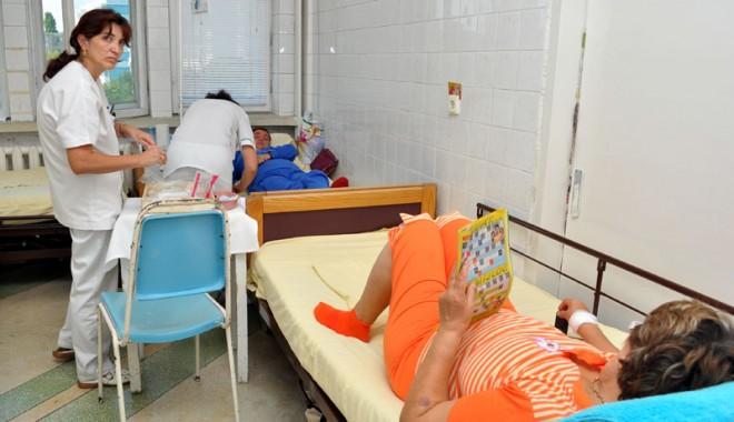 Foto: Spitalul Județean își trimite pacienții la farmacii după medicamente