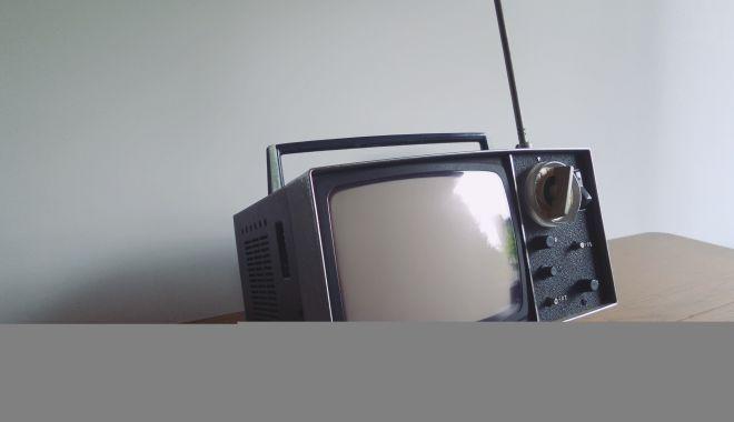 Cum să transformi sufrageria într-un cinema pentru acasă, cu ajutorul Sony - cugetlibersony-1580050241.jpg