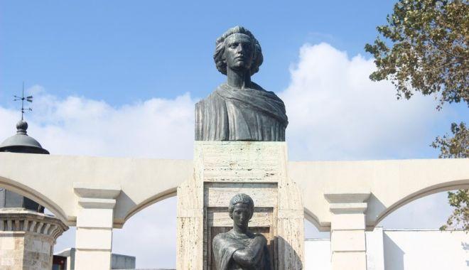 Cultura în cetatea Dobrogei. Masă rotundă organizată de ziua lui Mihai Eminescu, la Constanța - cultura-1578297698.jpg