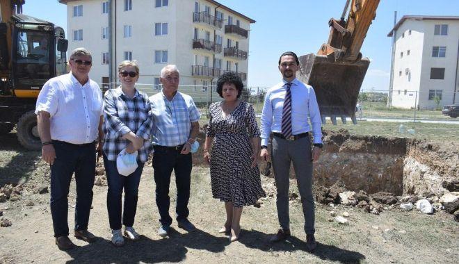 Foto: Au început lucrările la locuințele ANL din comuna Cumpăna