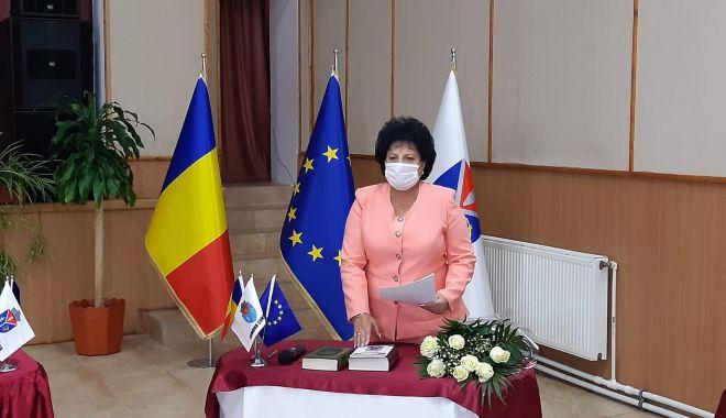 """Primarul Mariana Gâju, jurământ la al şaselea mandat! """"Avem proiecte importante de realizat"""" - cumpana2print-1603905065.jpg"""