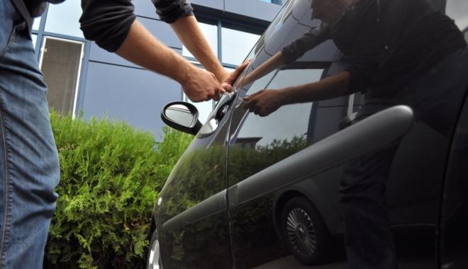 Cum prevenim spargerile și furturile din mașini - cumprevenim-1494163284.jpg