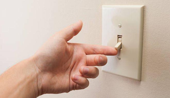 Atenţie, se opreşte curentul electric - curent-1603380888.jpg