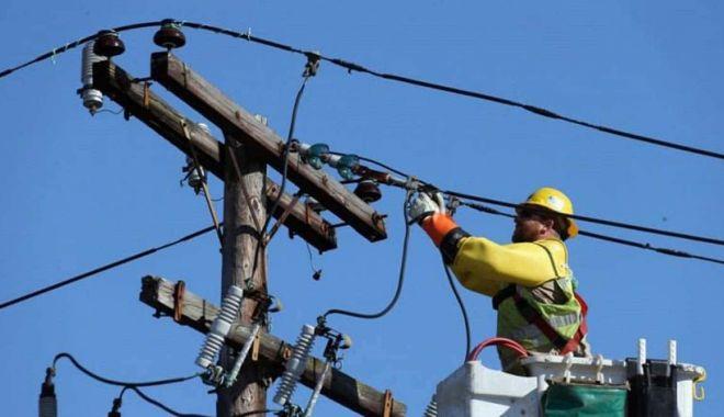 Atenţie, se opreşte curentul electric! - curent-1605637759.jpg