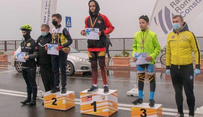Cursă de toamnă! Ei sunt campionii Cupei Mării Negre la ciclism, etapa a doua - cursa2-1604248451.jpg