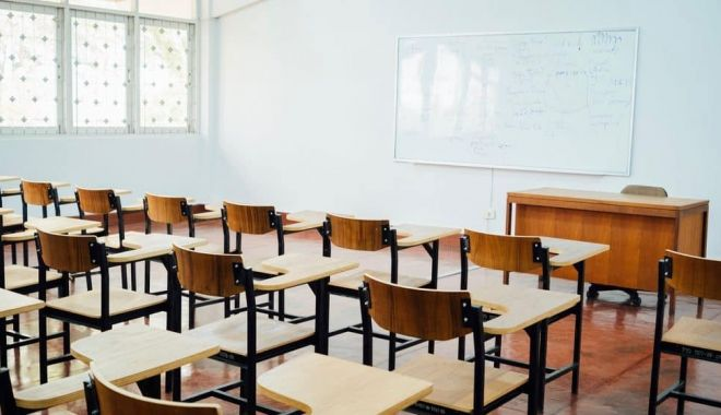 Cursurile faţă în faţă, suspendate în şcolile unde sunt secţii de votare - cursurisuspendate-1600866829.jpg