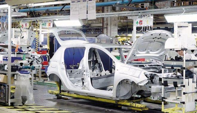 Criza microcipurilor a înjumătăţit producţia de maşini la uzinele Dacia şi Ford - dacia-1634020636.jpg