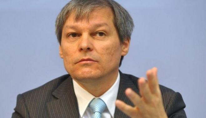 Foto: Cioloș, despre protestul diasporei:Ce-ar fi ca tot acest miting să se transforme într-un mesaj pe care diaspora îl adresează societății