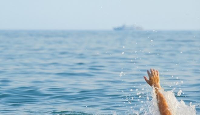 Foto: UPDATE / Trei persoane în pericol de înec pe plaja din Năvodari și Eforie Nord