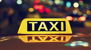 Foto: Au plecat cu taxiul spre spital, după ce au fost confirmați cu COVID-19!