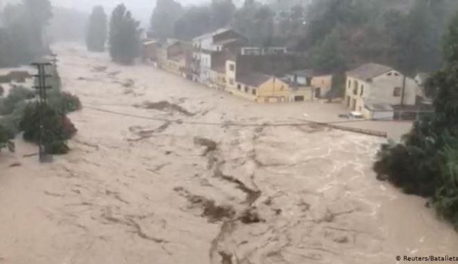 Foto: FURTUNI DEVASTATOARE în Europa! Opt decese