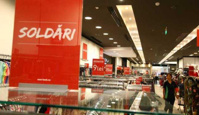 Foto: Protecția Consumatorilor recomandă: Atenție la reduceri!