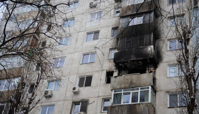 Foto: Explozie într-un bloc. Zeci de persoane evacuate!