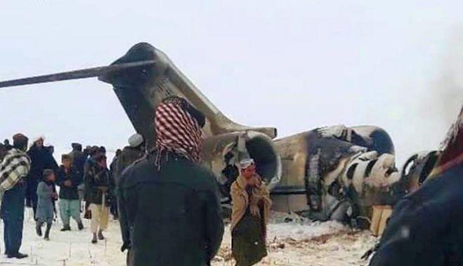 Foto: MISTERUL PERSISTĂ: Epava avionului prăbușit în Afganistan, inaccesibilă! Ar exista doi supraviețuitori