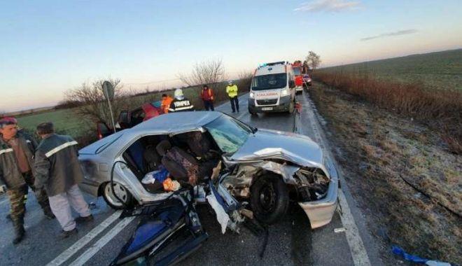 Foto: Nu a adaptat viteza la condițiile de drum. Urmarea a fost groaznică…