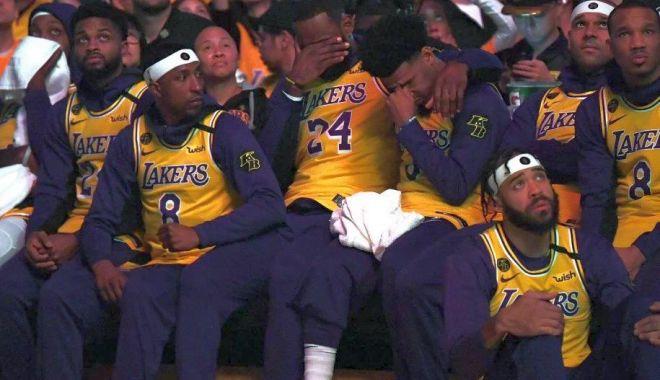Foto: Lacrimi de durere! Kobe Bryant, omagiat de Lakers