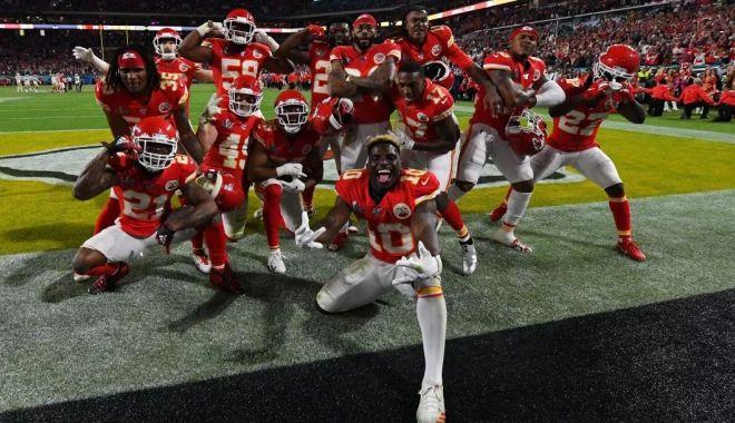 Foto: Super Bowl: Kansas City Chiefs, campioană după 50 de ani