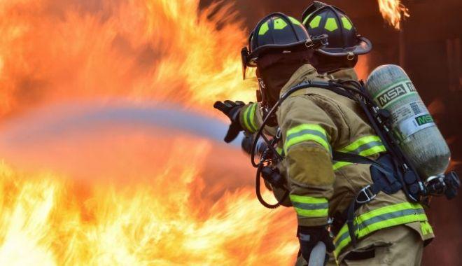 Foto: Bărbat decedat în urma unui incendiu. Totul a plecat de la un scurtcircuit…