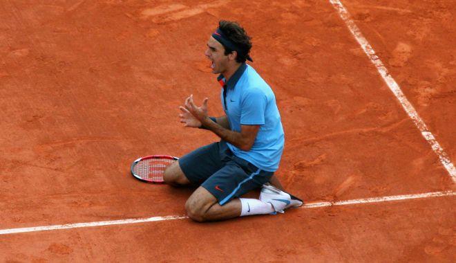 Foto: Din cauza unei operații la genunchi, Federer va rata Roland Garros!
