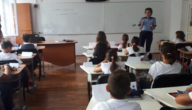 Foto: Siguranța înainte de toate! Activități informative în școli din județ