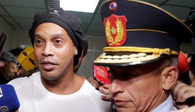 Foto: Ronaldinho, în arest! Eforturi la nivel înalt pentru eliberarea sa