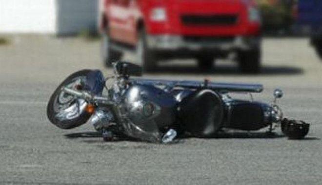 Foto: Motociclist mort într-un accident. Poliția cercetează împrejurările