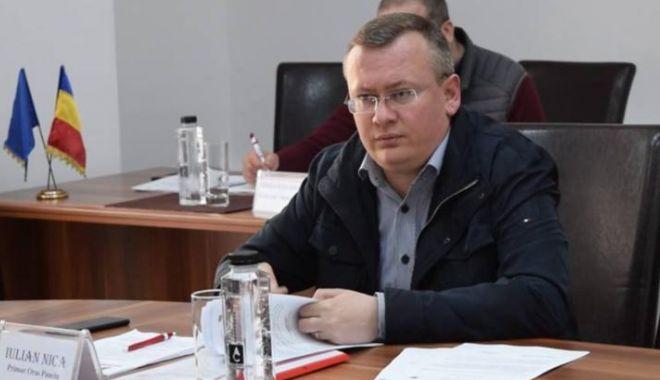 Foto: Primar arestat pentru șase infracțiuni de corupție! Prejudiciu: 300.000 de euro