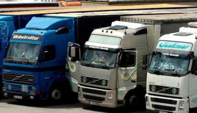 Foto: Peste 30% dintre șoferii de tir refuză să plece în cursă